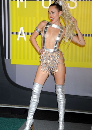 Miley Cyrus: 2015 MTV Video Music Awards in Los Angeles [adds]-29